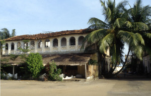 A house from French colonial time (French West Africa) in Grand Bassam, Ivory Coast, still inhabited. Author: Joker X